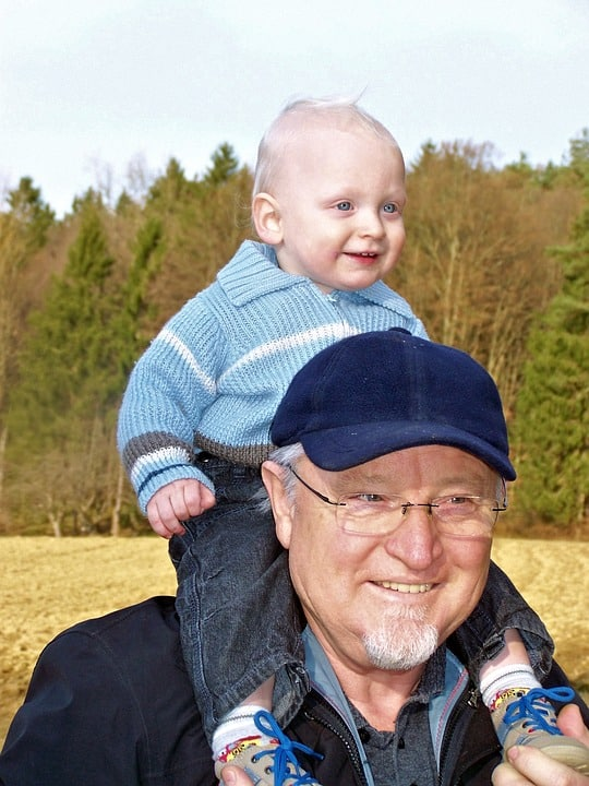 סבא חוגג יום הולדת